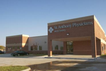 PEC Announces Sale of Suburban Medical Clinic - St Anthony Mustang