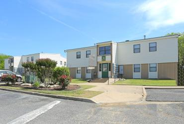 Price Edwards brokers $2,365,000 Apartment Complex Sale