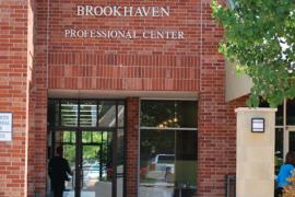 Brookhaven Village executive suites office space for lease in Norman, OK exterior photo