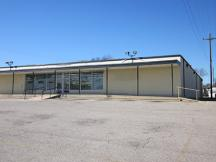Former Dollar General Store Okemah, OK sublease retail space for lease exterior photo
